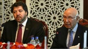 حکمت خلیل کرزی، معین سیاسی وزارت خارجه و سرتاج عزیز مشاور سیاست خارجی پاکستان