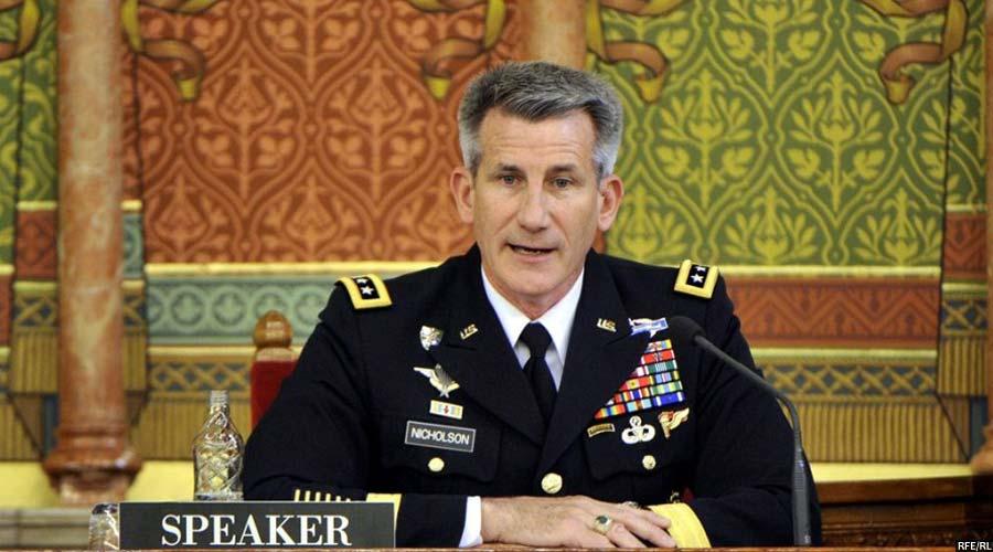 جنرال جان نیکولسن فرمانده نیروهای حمایت قاطع در افغانستان