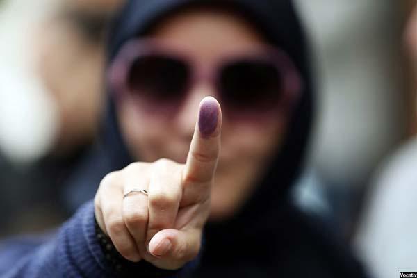 پارلمان ایران با ۲۹۰ کرسی یک نهاد توانمند با قدرت نظارتی و قانون گذاری بالا است
