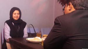 دو جوان افغان در یکی از رستورانت های کابل