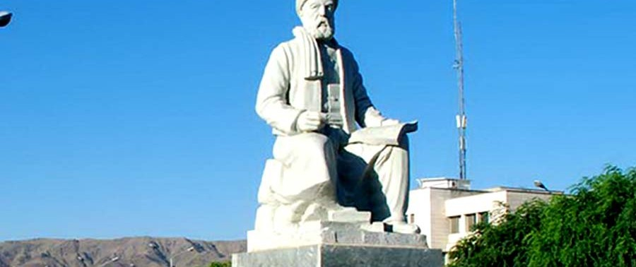 The_statue_of_Ferdowsi_at_FUM