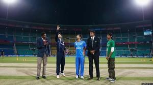 به اساس قرعه کشی، افغانستان تصمیم گرفت نخست بازی را آغاز کند