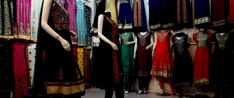 Afghanistan dress market (1)