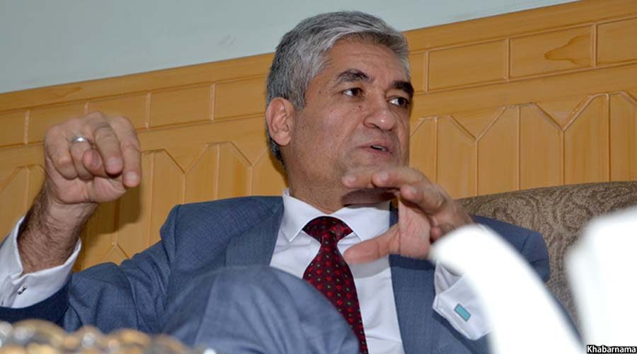 دادستان کل افغانستان حین گفتگو با خبرنامه
