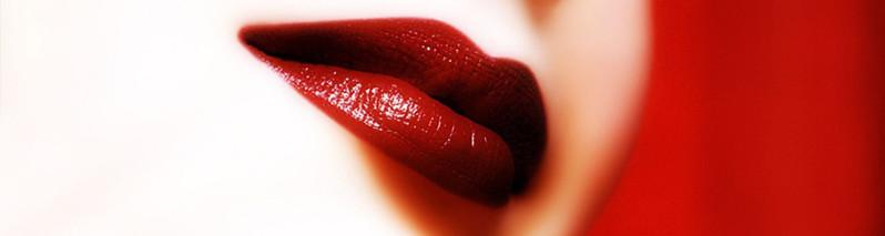 ۱۲ برند جهانی رُژ لَب که هر خانم باکلاس آنرا استفاده میکنند