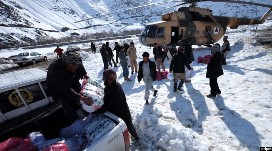کمک نظامیان ارتش به آسیب دیدگان