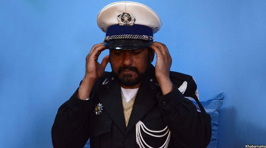 صبور شیرزاد شفاف ترین پولیس ترافیک افغانستان لقب گرفته است