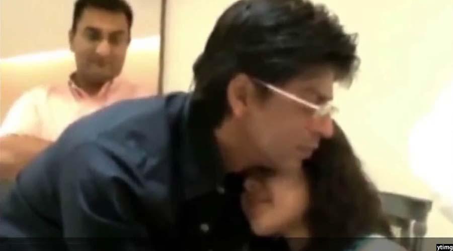 لحظه دیدار شاهرخ خان با ویدا، دختر دلباخته افغان اش