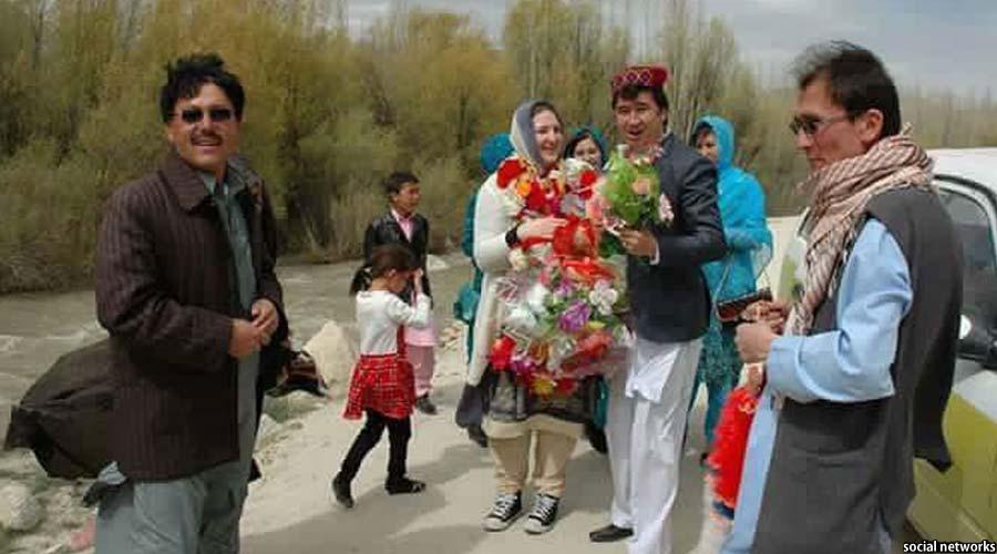 مراسم برگزاری مهدی احمدی با خانم نارویژی اش