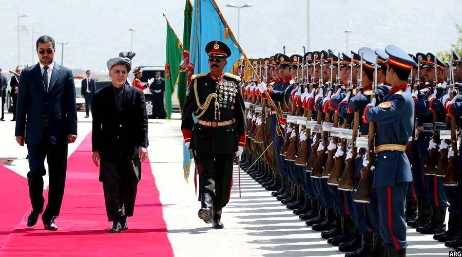 رییس جمهور غنی حین ورود به پارلمان افغانستان