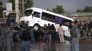 حمله انتحاری بر موتر حامل کارمندان دادستانی کل افغانستان