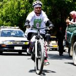خلاقیت جدید بامیانیها؛ رکابزنی دختران معترض