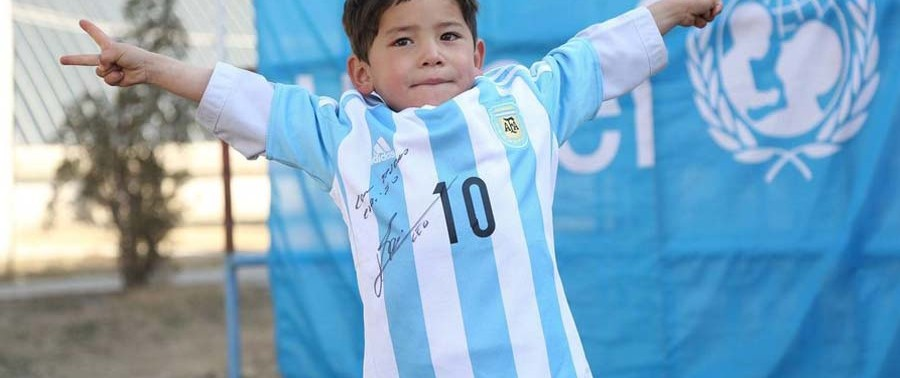 Morteza-the-Afghan-messi-with-Jersey-of-Messi-sign