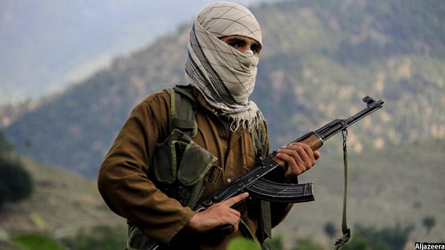 هفته گذشته نیز افراد ناشناس یک مکتب دخترانه را در ولایت فاریاب به آتش کشیده بودند