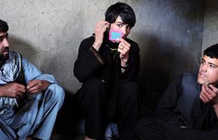 تهدید فراگیر؛ آغاز اقدامات قاطع برای مبارزه با بچه بازی در افغانستان