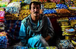 بازار میوه خشک؛ کابل در شب های عید رمضان دیدنی تر شده است