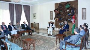 رییس اجرایی در دیدار با متحدانش در قصر سپیدار