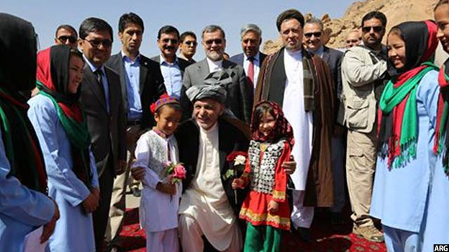 Ghani-with-the-children