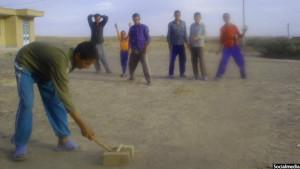 دنده کلیک بازی مورد علاقه نوجوانان در افغانستان می باشد