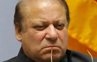 ضربه اول؛ ممنوعیت روپیه درافغانستان بر بهای دالر در پاکستان تاثیر گذاشت