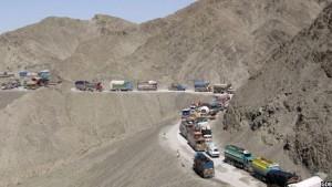 کالاهای تجاری افغانستان،گاهن ماها در بندر تورخم بند مانده است