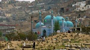 زیارتگاه سخی کابل، مدتی قبل مورد حمله تروریستی قرارگرفتهبود