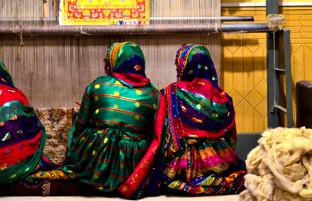 هویت افغانستان؛ برنامه ریزی برای صادرات ۱٫۵ میلیون متر مربع قالین در سال