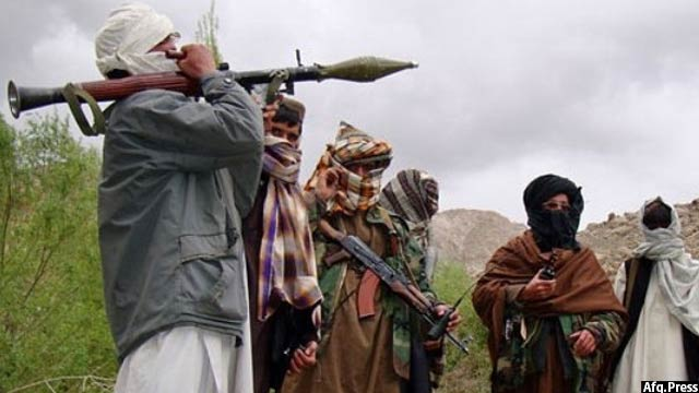 نیروهای امنیتی افغان 8 فرد وابسته به گروه طالبان را در سرپل و 6 تن دیگر را در بدخشان از بین برده اند