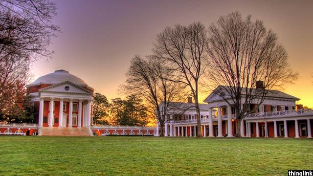 نمایی از محوطه دانشگاه ویرجینیا
