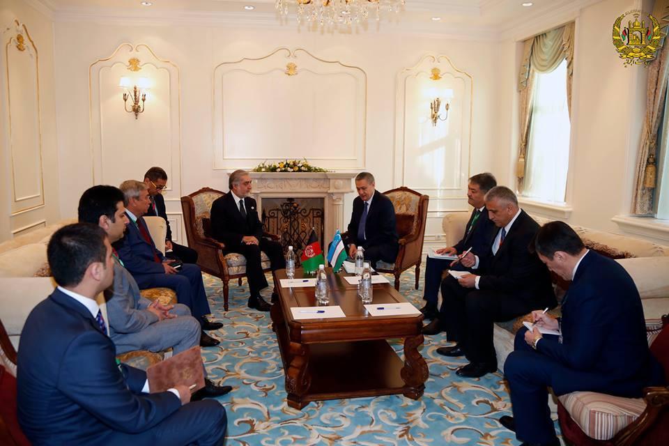 رییس اجرایی افغانستان در دیدار با معاون اول نخست وزیر پاکستان گفته است که دو کشور دارای فرصت ها و تهدید های مشترک هست