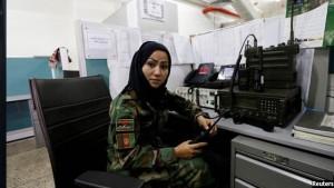 زینب باقری در مرکز مخابره وزارت دفاع افغانستان