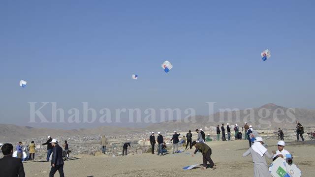 گفته میشود تعداد زیادی از جوانان در این جشنواره شرکت کرده بودند