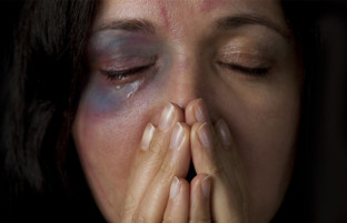 آمار فزاینده؛ افزایش چشم گیر خشونت ها علیه زنان در افغانستان