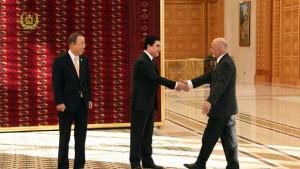 رییس جمهور غنی همراه با رییس جمهور ترکمنستان و بان کیمون در نشست جهانی ترانسپورت پایدار