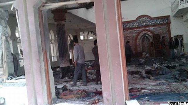 نمایی پس حملهی انتحاری در این مسجد