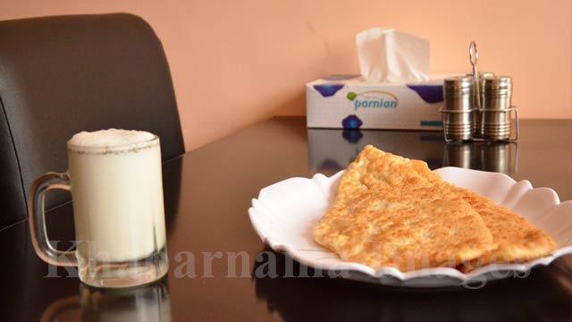 بولانی آماده شده و دوغ رستوران مسعود ذایقهای خاصی دارد