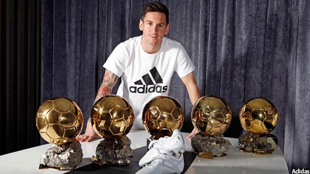 leo-messi-with-his-five-baloon-dors