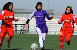 رقابتهای جنوب آسیا؛ تیم ملی فوتبال زنان افغانستان امروز به مصاف هند میرود