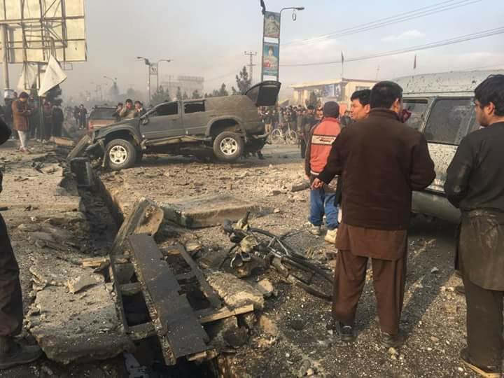 نمایی پس از انفجار، از موتر حامل فکوری بهشتی، نماینده مردم در مجلس افغانستان