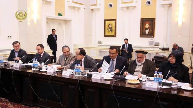 وزرای تجارت، مالیه و اقتصاد از اعضای این کمیسیون می باشد