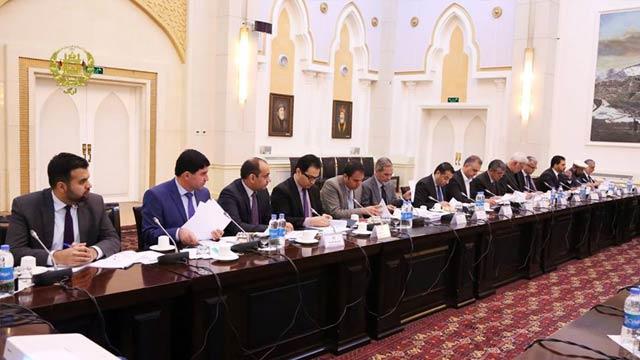 رییس جمهوری افغانستان به وزارت های مالیه و اقتصاد دستور داده است که چالش بیمه را برای سرمایهگذاری در افغانستان حل کند