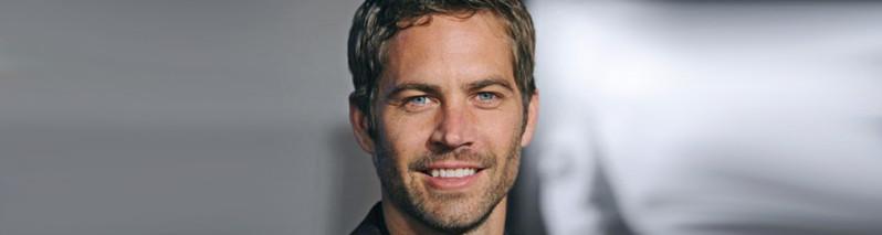 یکی از ۵۰ زیباترین مرد جهان ۳ سال است که چشم از جهان بسته