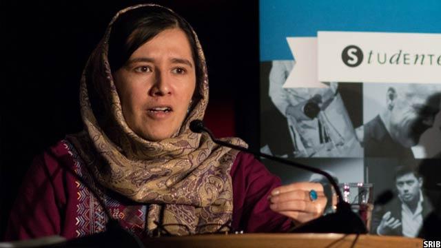 اورزلا اشرف و سازمان او، جایزهی بینالمللی عفوی بین الملل را بهخاطر برنامههای آموزشی زنان در افغانستان بدست آورده است