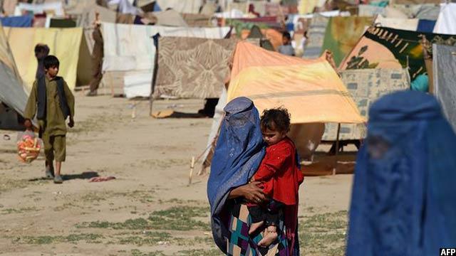 با پایان یافتن جنگ در شماری از مناطق افغانستان، تعدادی از شهروندان این کشور به خانه های شان باز گشته اند