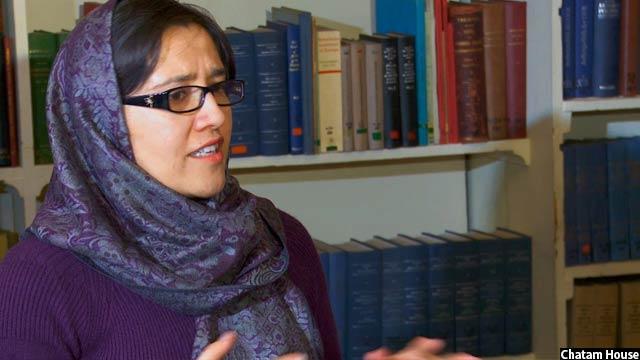 دکتر اشرف میگوید که ابتدا در پاکستان زمینهی آموزش برای او مهیا نبوده است