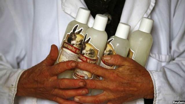 شیر این خرها نیز از بازار خوبی در اروپا برخوردار است طوری که هر لیتر آن تا بیش از 40 یورو به فروش میرسد