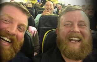 سهقلوهای بیگانه؛ دیدار تصادفی دو همشکل در هواپیما و سومی در رسانههای اجتماعی
