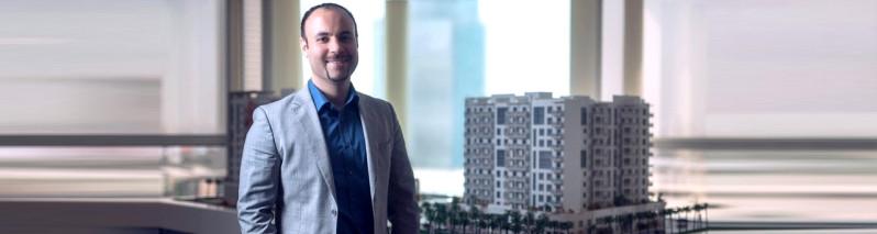 سرمایهگذاری در خارج؛ عزیزی در سال نو میلادی ۵۰ پروژه جدید در دُبی راه اندازی میکند