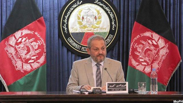 فیروزالدین فیروز، وزیر صحت افغانستان میگوید که 40درصد کودکان افغانستان دچار سوتغذیه اند