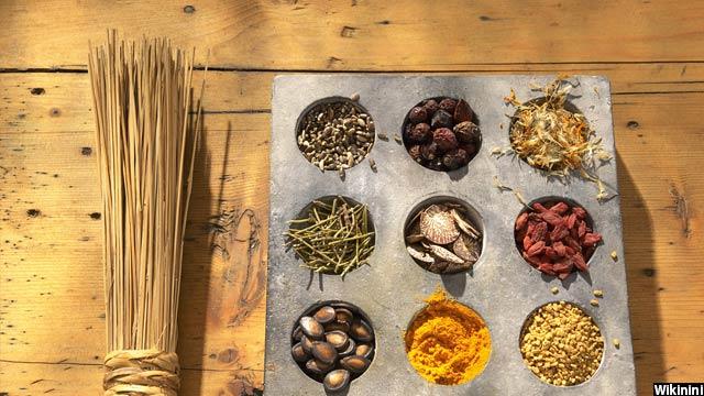 این گیاهان معمولا توسط مغازه داران سیگ در افغانستان فروخته می شود